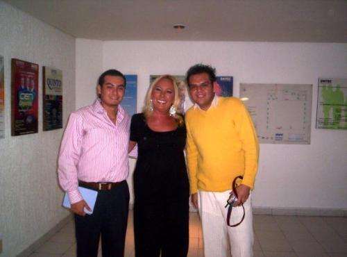 Mario Enrique,Anabel Ochica, Abraham Ayala (enamorado de su chaparro)