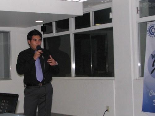 Mario Enrique en su conferencia de Prensa