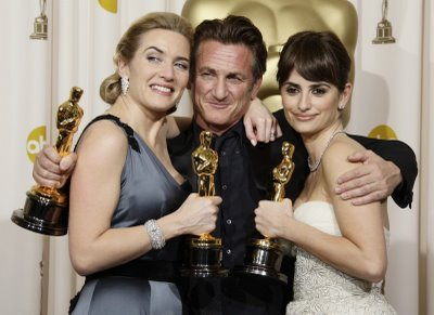 "(izq-der) Kate Winslet ""The reader"", Sean Penn ""Milk"", Penélope Cruz ""Vicky Cristina Barcelona"""